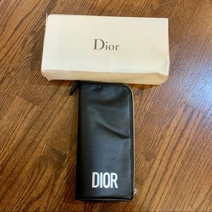 NIP 🎉 Dior Makeup Bag / Pouch